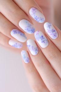 グラデーションが美しい紫陽花ネイル