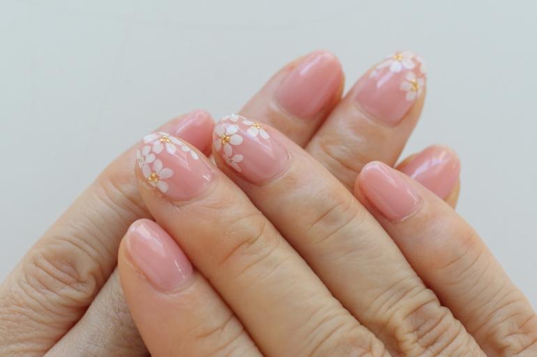春色ピンクのフラワーネイル||新百合ヶ丘ネイルサロン