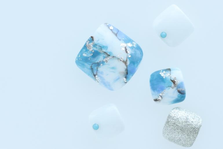 新百合ヶ丘ネイルサロン~フットネイルデザイン2020夏ターコイズネイル