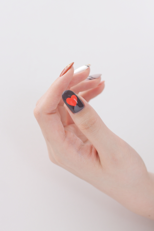 新百合ヶ丘ネイルサロン「ネイルマーナ」~とっておきのバレンタインネイル2021