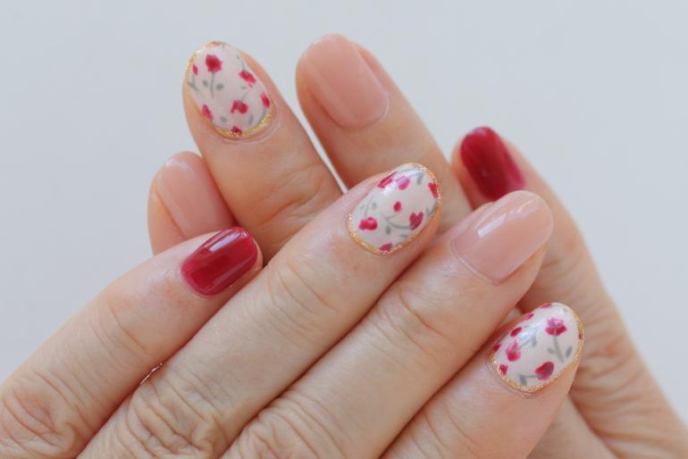 新百合ヶ丘ネイルサロン「ネイルマーナ」春ネイルデザイン小花柄